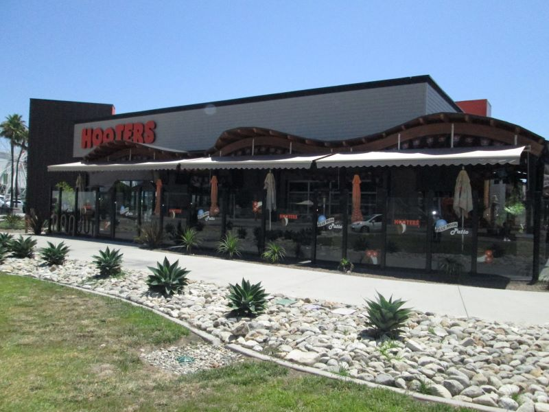 Commercial Awnings Installed, Hooters in Los Angeles_After_2