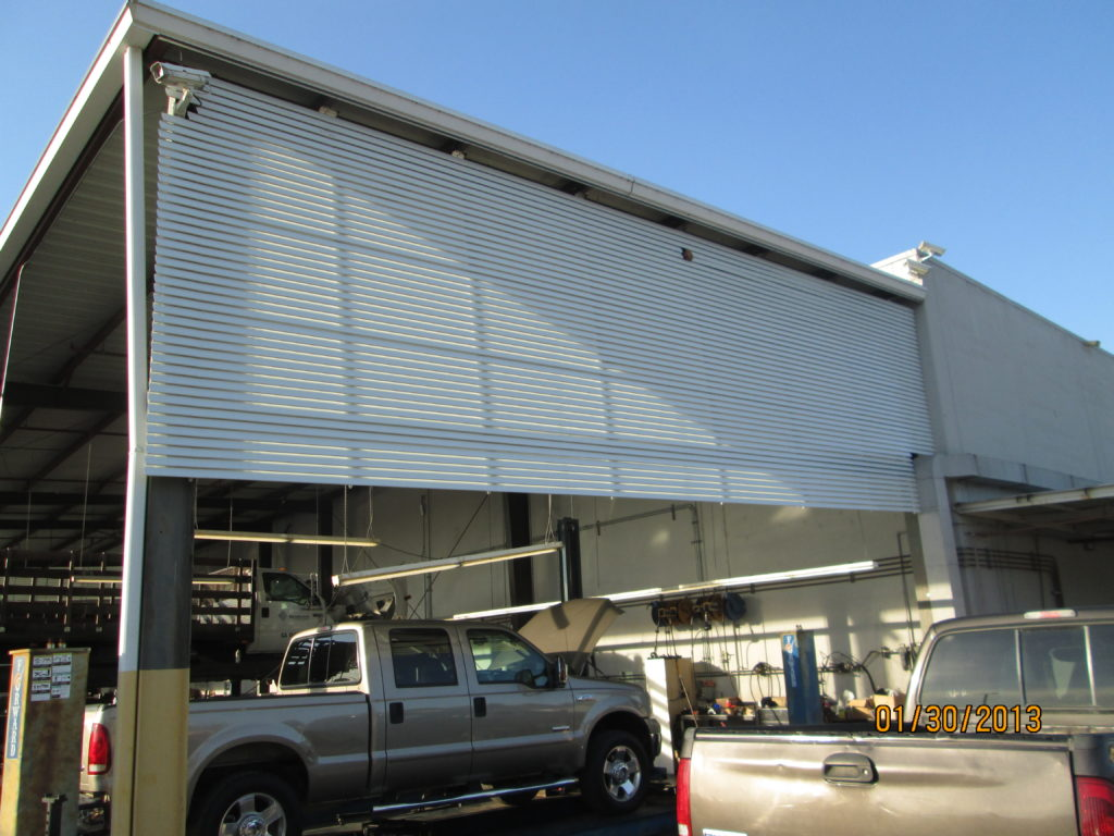 Outdoor Wind and Sun Screen Protection Awning