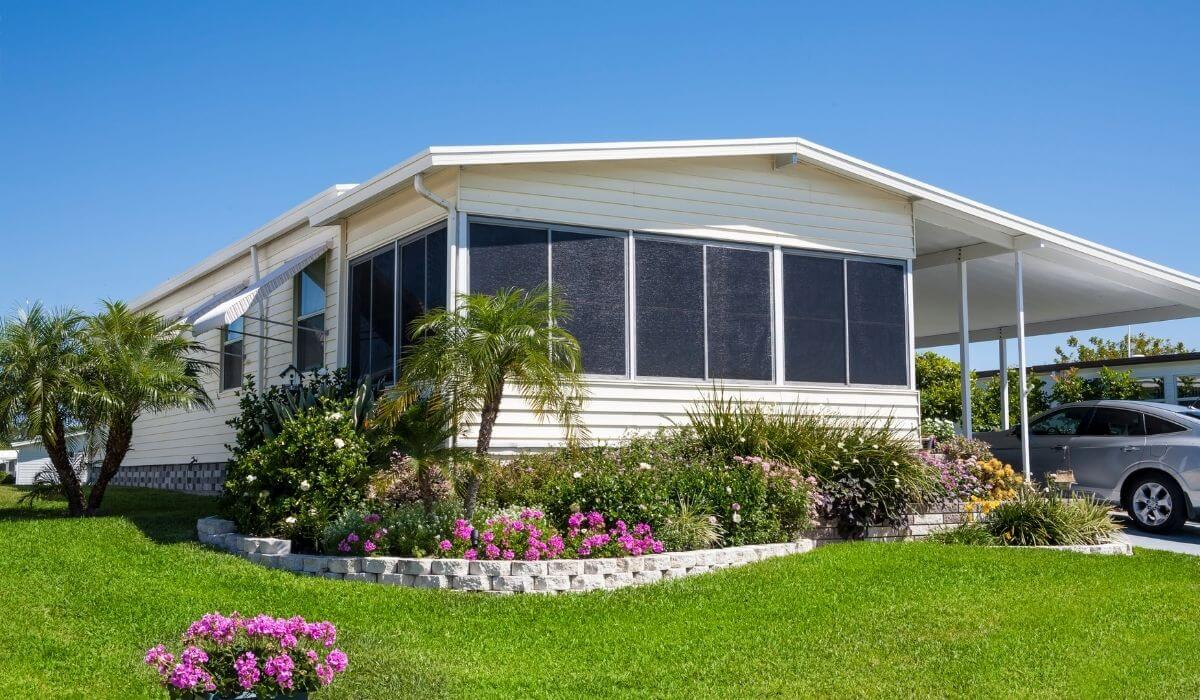 Tips on Dressing Up Mobile Home Patios