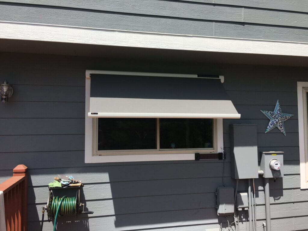 Long lasting Sol-Lux Retractable Awnings