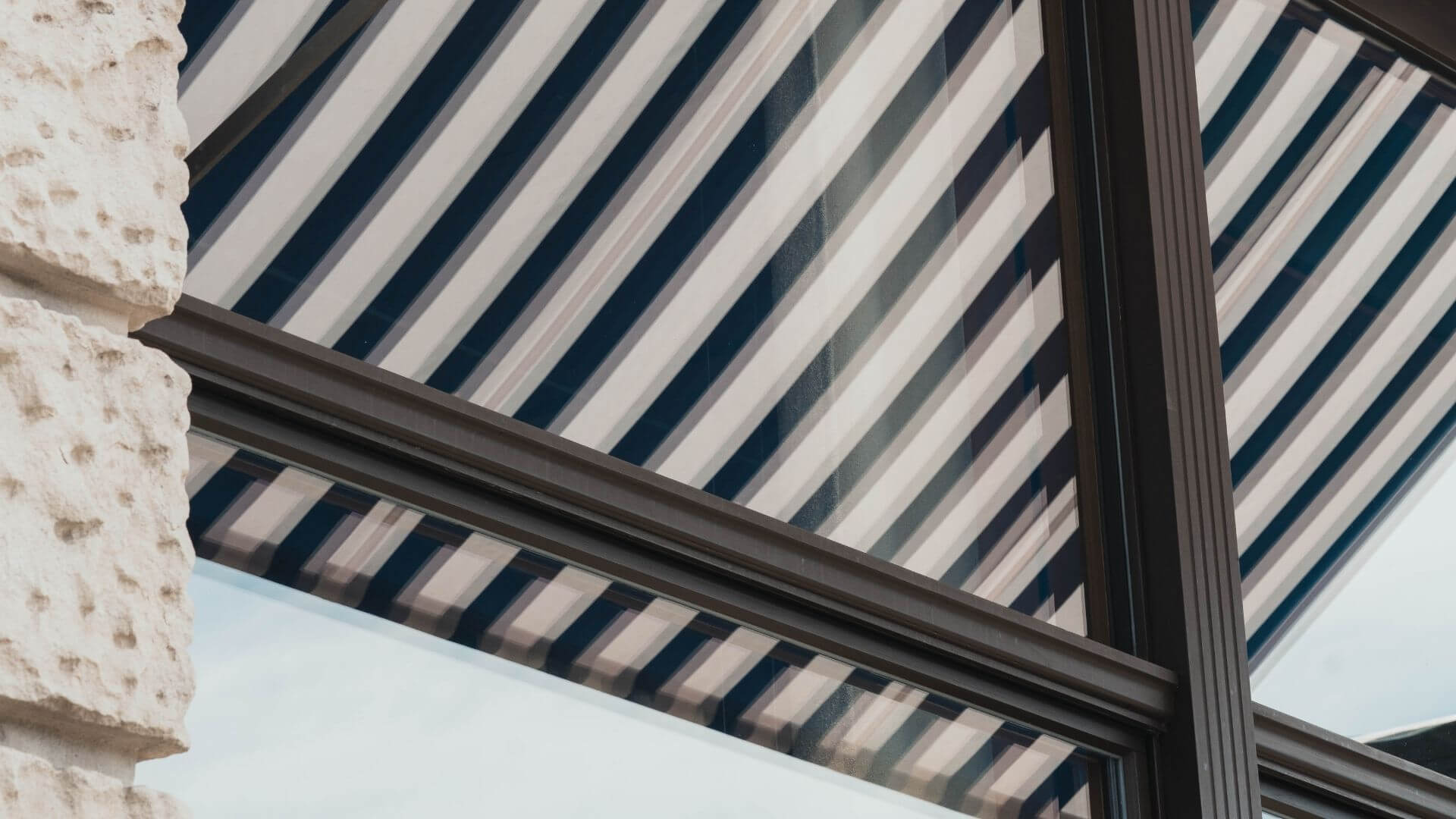 Right Set of Awnings For Your Home
